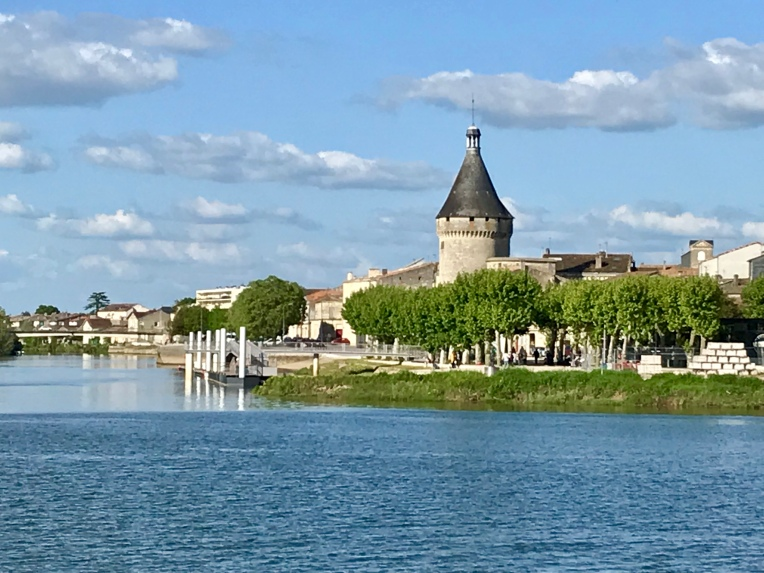 Libourne port tower